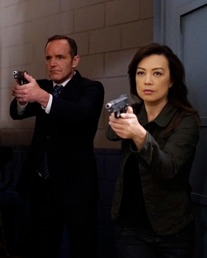 """MARVEL'S AGENTS OF S.H.I.E.L.D. - """"Lockup"""" - As Robbie Reyes struggles to control The Ghost Rider, S.H.I.E.L.D. infiltrates a high-security prison to unravel the secrets that haunt them all, on """"Marvel's Agents of S.H.I.E.L.D.,"""" TUESDAY, OCTOBER 25 (10:00-11:00 p.m. EDT), on the ABC Television Network. (ABC/Jennifer Clasen) CLARK GREGG, MING-NA WEN"""